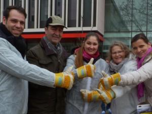 Von Links: Jesus Fernandez Mera, Nadjaf Mougoui, Natalie Fernandez Mera, Irene Mougoui und Eva-Maria Finck-Hanebuth